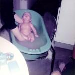 Baby Sammy in der Badewanne