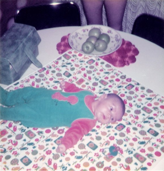 Baby auf den Küchentisch 2