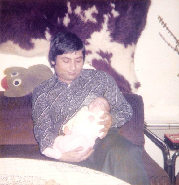 Papa und ich auf dem Sofa