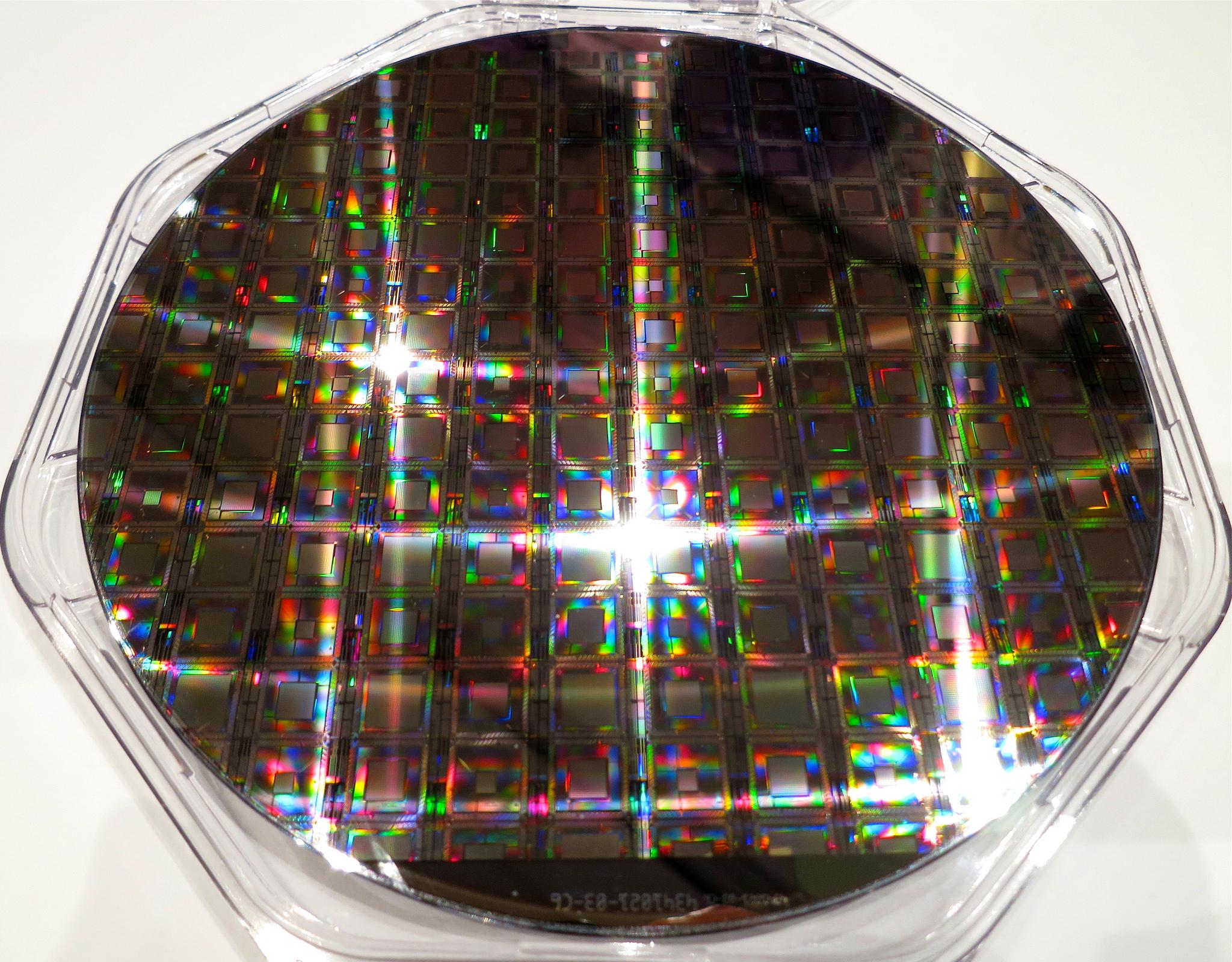 D-Wave Wafer eines Quanten-Prozessors